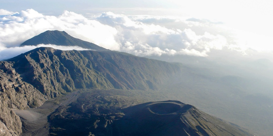 Le fameux Volcan Mont Meru En Tanzanie